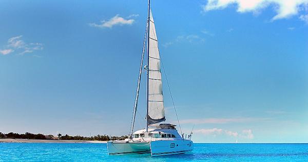 Playa del Carmen Boat Tours | Catamarans, Yachts, Booze ...